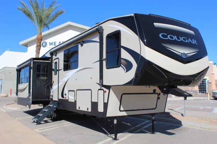 2018 Keystone Cougar 368MBI 5th Wheel RV