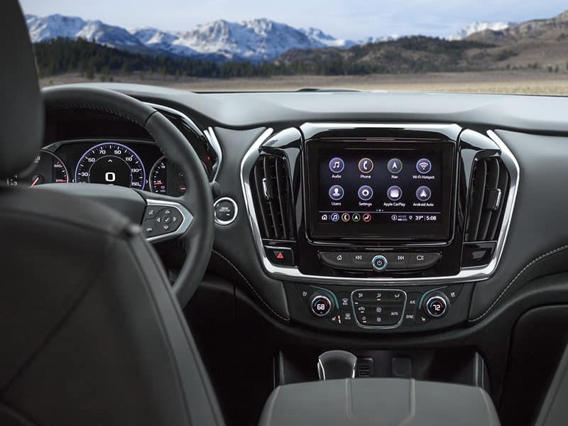 2022 Chevrolet Traverse interior comfort and technology